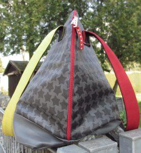 Bogentasche - Hier ist der lange Reißverschluss erkennbar