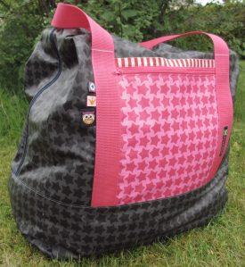 Reisetasche - rosa Außenseite